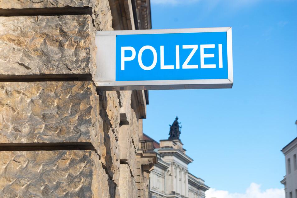 Wer den Unfall in der Roquettestraße gesehen hat, soll sich bei der Polizei melden.