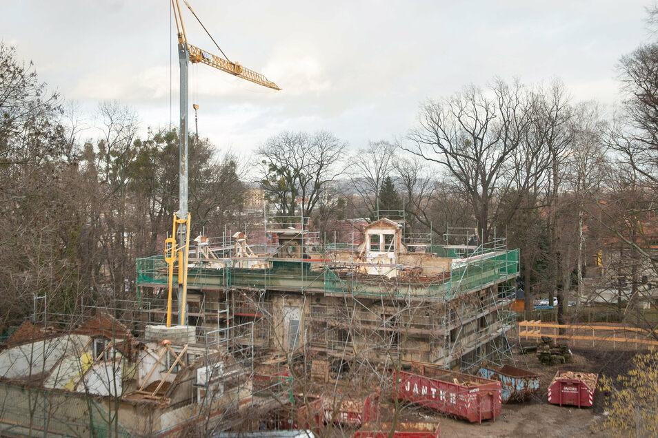 2016 genehmigte die Stadt den Umbau, 2018 begannen die Sanierungsarbeiten auf dem Grundstück an der Elsa-Brandström-Straße.