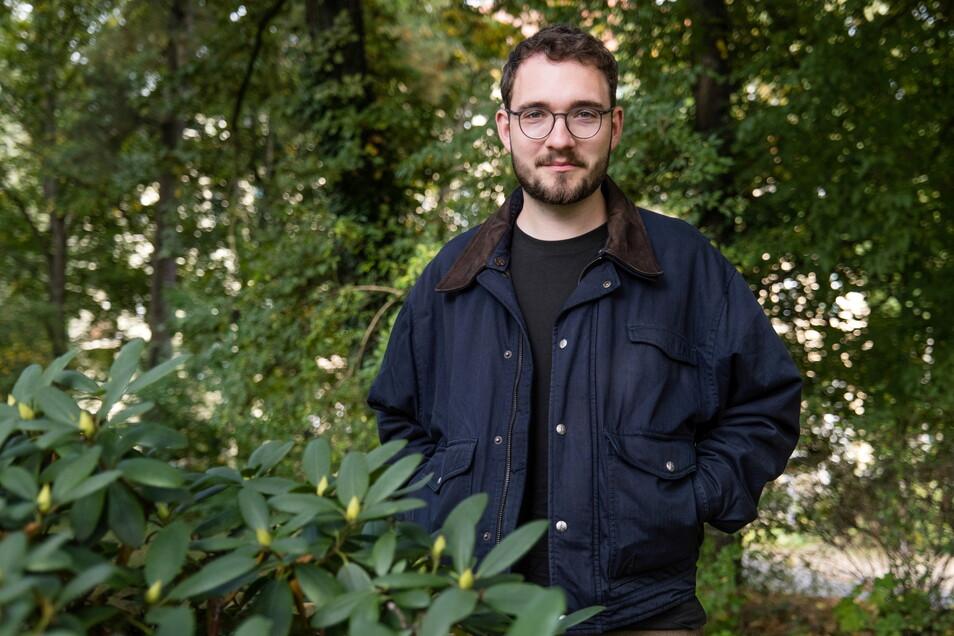 Der Schriftsteller Lukas Rietzschel im Park des Friedens in Görlitz