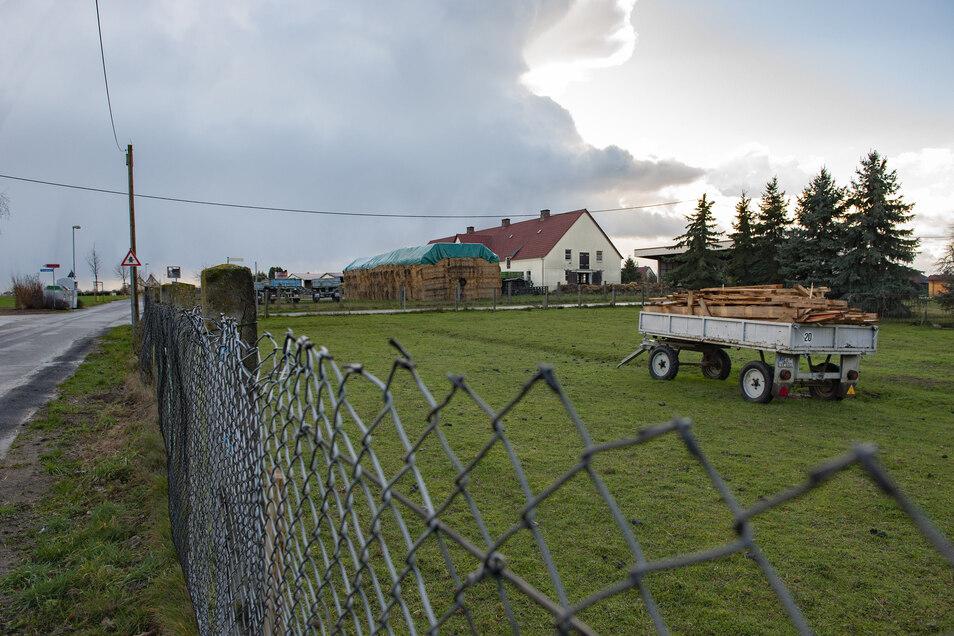 Die Stallanlagen sind in Kleinthiemig nah an der Wohnbebauung. Die Außengrenze muss deshalb für den Neubau eingehalten werden.