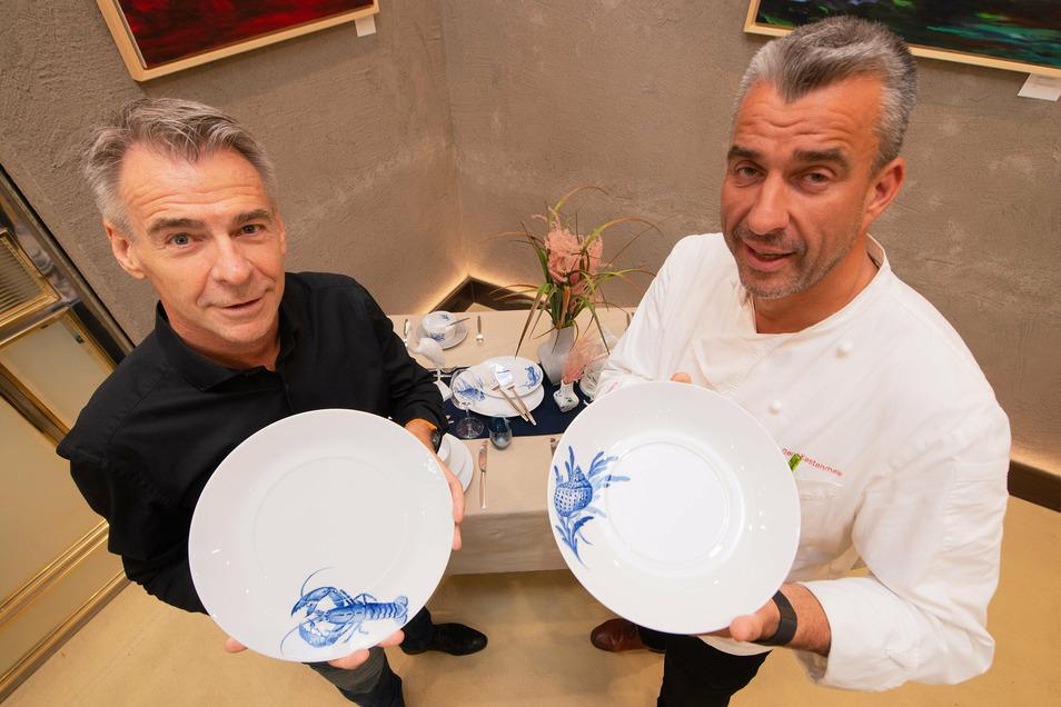 Meissen-Chef Tillmann Blaschke (links) liefert mit Blue Treasures ein neues Service, das genau auf die Bedürfnisse von Gourmet-Koch und Fischrestaurant-Chef Gerd Kastenmeier zugeschnitten ist.