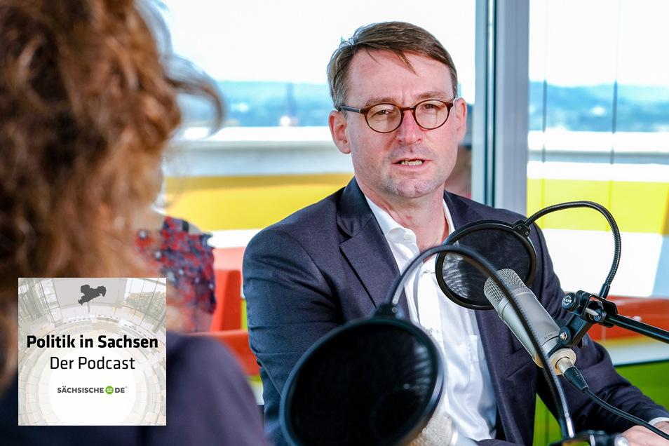 """Sachsens Innenminister Roland Wöller stellt sich im Podcast """"Politik in Sachsen"""" den Fragen von SZ-Politikchefin Annette Binninger."""