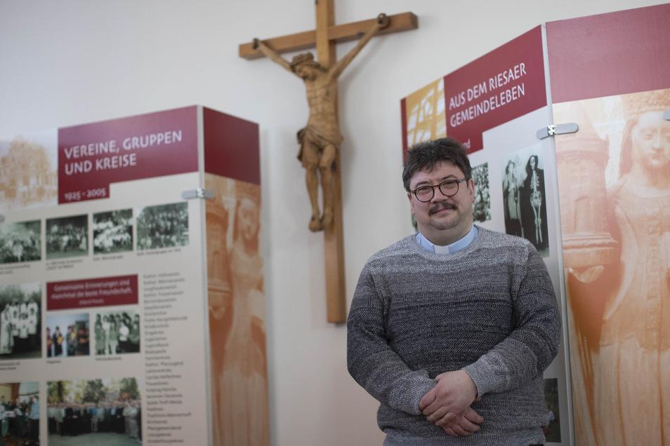 Pfarrer Markus Scholz hat die Kirchgemeinde St. Barbara Riesa in schwierigen Zeiten übernommen.