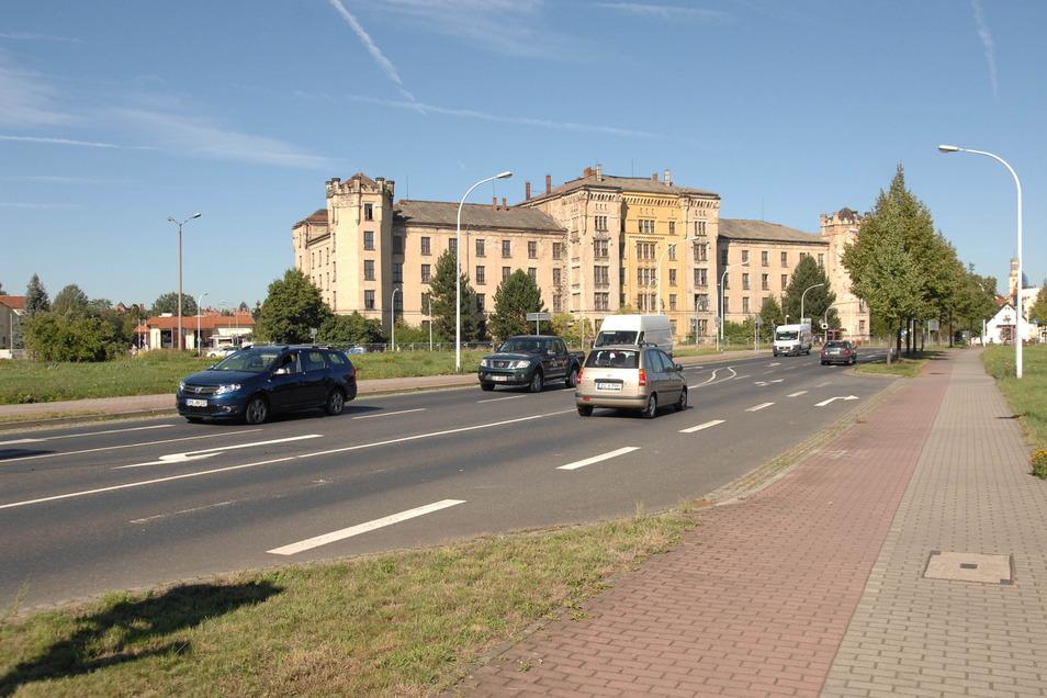 Wird auf dem Martin-Wehnert-Platz in Zittau ein viele Millionen Euro teures Rettungszentrum gebaut?