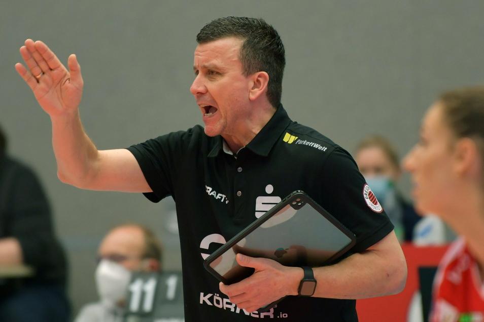 Sah trotz des Sprungs an die Tabellenspitze gegen Suhl noch viel Verbesserungspotenzial bei seiner Mannschaft: DSC-Trainer Alexander Waibl.