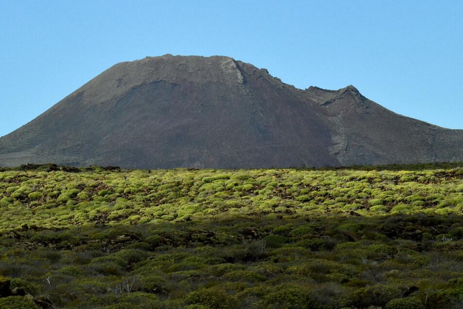 Der Vulkan La Corona auf Lanzarote.