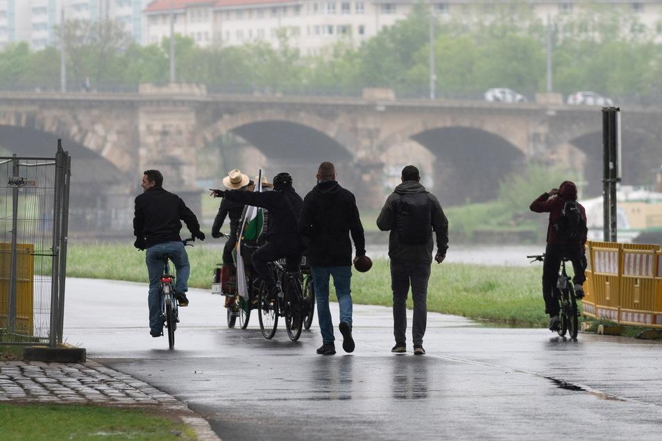 Verregneter Herrentag in Dresden.