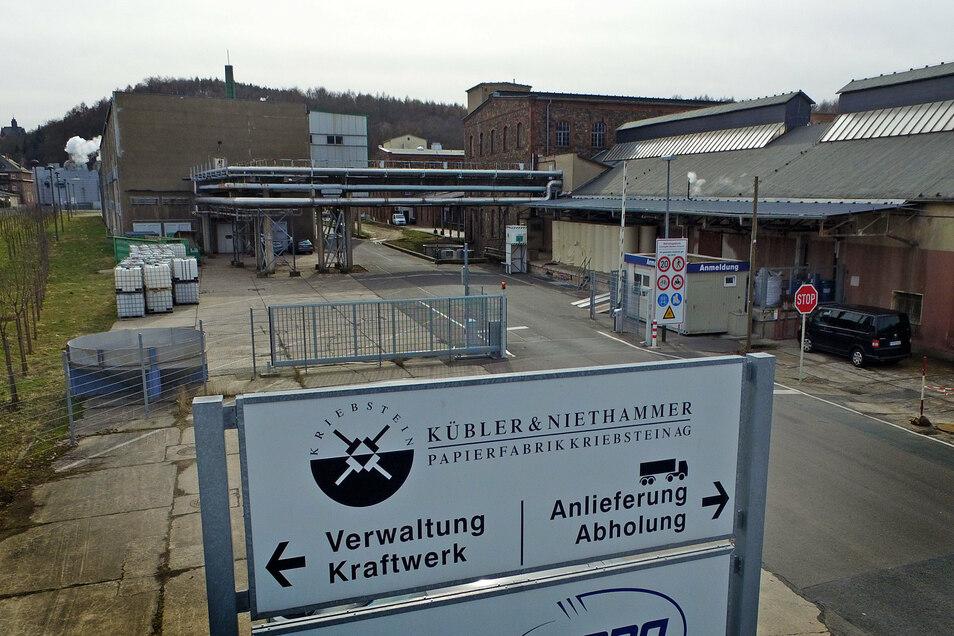 Trotz Übergangs der Kübler & Niethammer Papierfabrik in Kriebstein an einen neuen Investor haben die Mitarbeiter Sorgen.