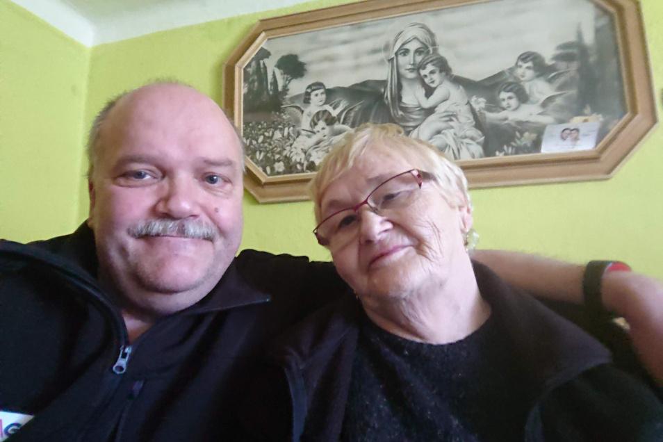 Schwiegermutter Viera ist glücklich, dass sie wieder zu Hause in der Slowakei angekommen ist. Tilo Nixdorf stand da die Odyssee der Rückfahrt noch bevor.