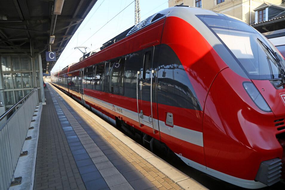 Der RE 50 Saxonia ist die wichtigste Regionalverbindung Sachsens. Am 9. Mai kommt man wieder auf direktem Weg von Leipzig über Riesa (Foto) und Radebeul bis direkt in die Sächsische Schweiz.