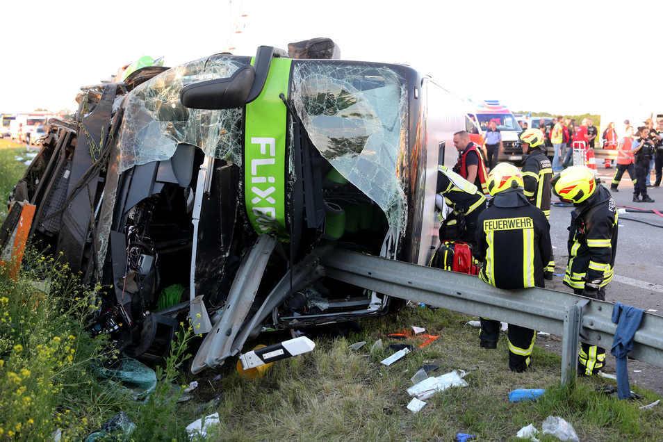 Am 19. Mai 2019 kam es auf der A9 zwischen den Anschlussstellen Leipzig-West und dem Rastplatz Bachfurt-West zu einem schweren Unfall. Eine Insassin des Busses wurde getötet.