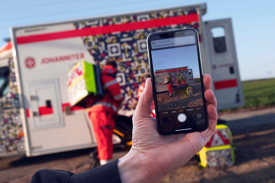 Wer Unfall-Einsätze der Johanniter fotografiert, soll jetzt eine Botschaft direkt aufs Handy bekommen.