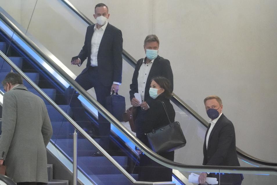 Die Spitzen von Grünen und FDP vor dem Treffen der Ampel-Verhandler am Montag.