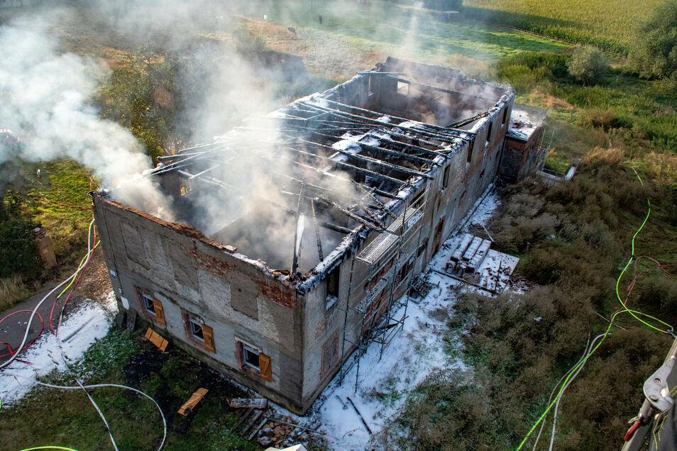 Beim Brand eines Hauses in Kalthausen ist es Nachbarn angst und bange geworden.