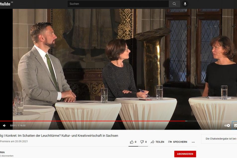 Sachsens Wirtschaftsminister Martin Dulig (SPD) sprach auf der Meißner Albrechtsburg unter anderem mit Riesas Innenstadtmanagerin Anja Dietel (r.). In der Mitte Moderatorin Franziska Wöllner.