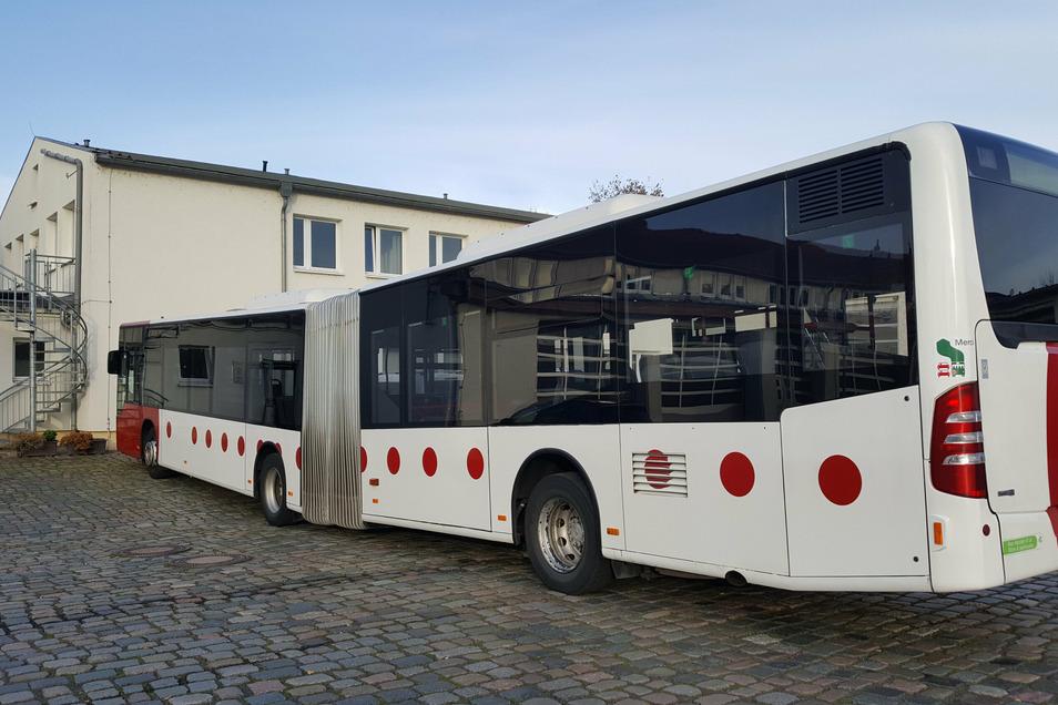Zwei überlange gebrauchte Gelenkbusse werden bei der VGM gerade modernisiert und für den Schülerverkehr fit gemacht.