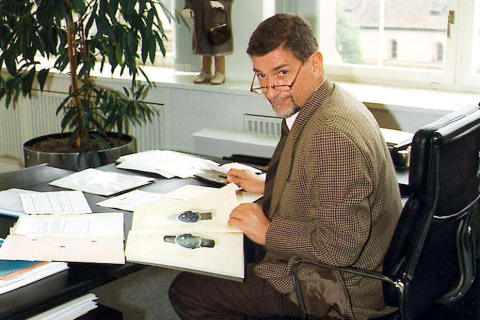 Eines der letzten Bilder: Günter Blümlein 2000 in seinem Büro.