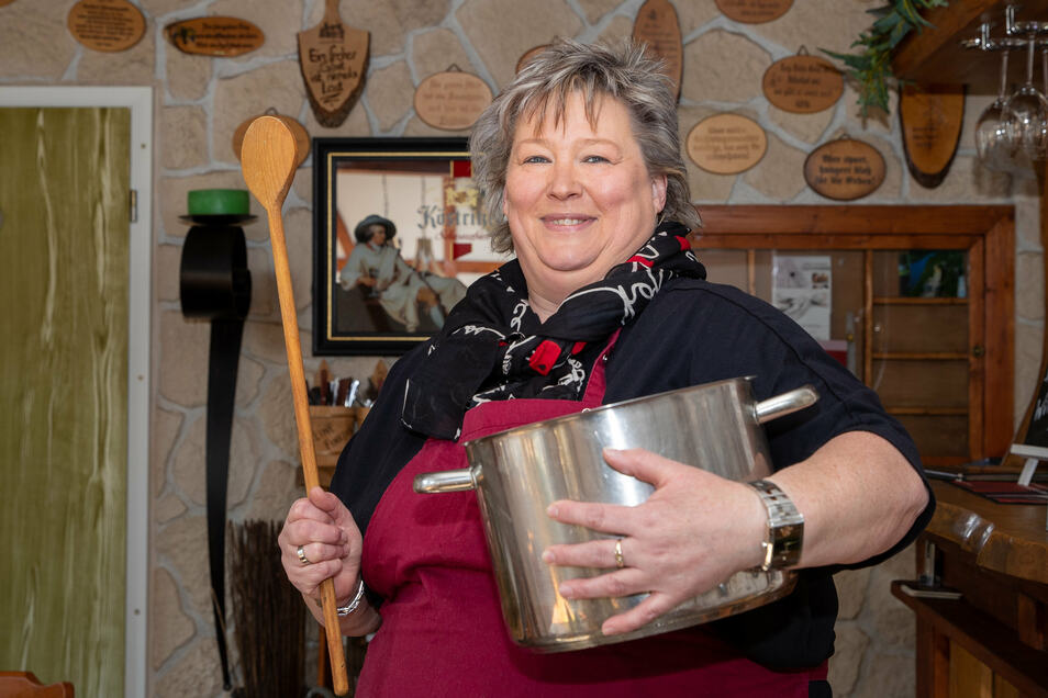 """Kirsten Wagner von der """"Kleinen Einkehr"""" in Königstein startet Ostern einen Abholservice."""