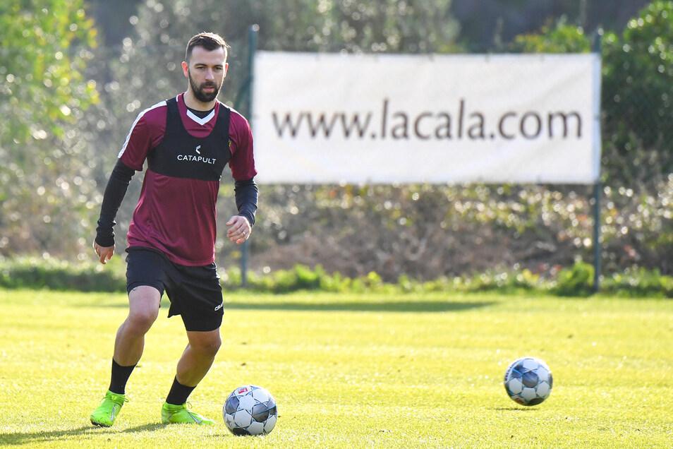 Josef Husbauer ist bereits bei Dynamo am Ball. Im spanischen Mijas trainiert der Tscheche am Dienstagvormittag erstmals mit der Mannschaft.