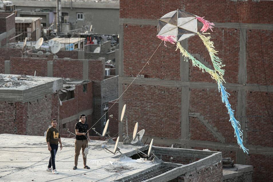 Handgemachte Drachen steigen in Ägypten häufig auf - aber vielleicht nicht mehr lange.