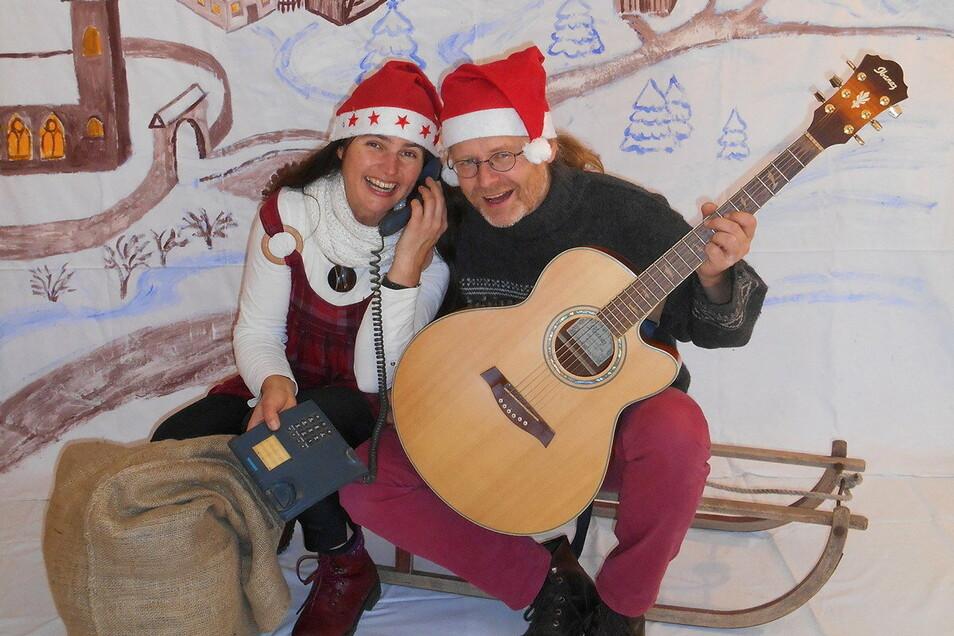 Die Liedermacher Leichtfuß & Liederliesel sorgen für weihnachtliche Stimmung.