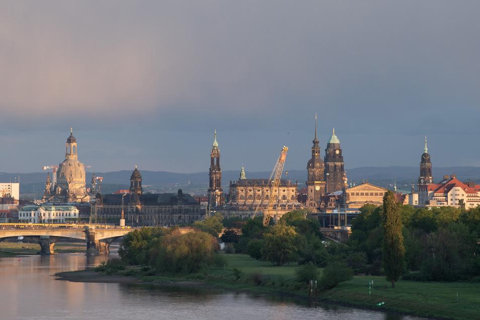 In den nächsten Tagen wird die Sonne über Dresden wohl nur vereinzelt zu sehen sein.