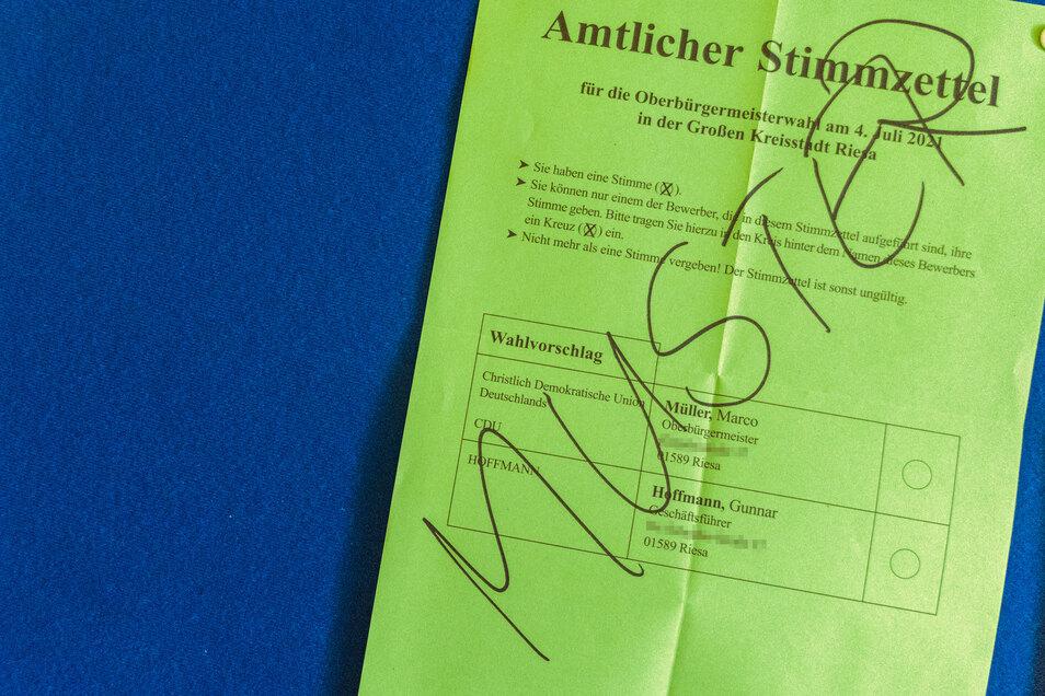 So sieht er aus – der amtliche Stimmzettel bei der Riesaer OB Wahl.