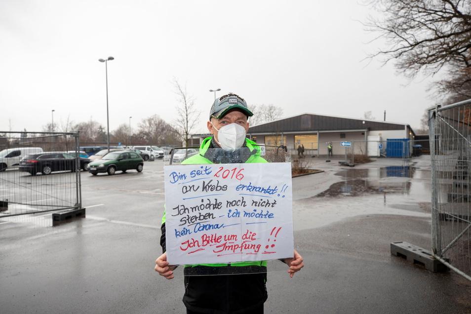 Ulf Buchholz aus Freital versucht, so schnell wie möglich zu einer Corona-Schutz-Impfung zu kommen.