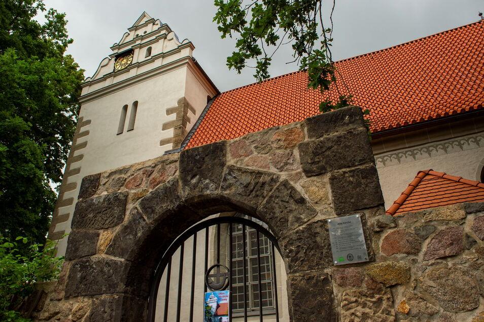 Die Alte Kirche Coswig am Ravensburger Platz. Im Garten gibt es wieder Musik zu hören.