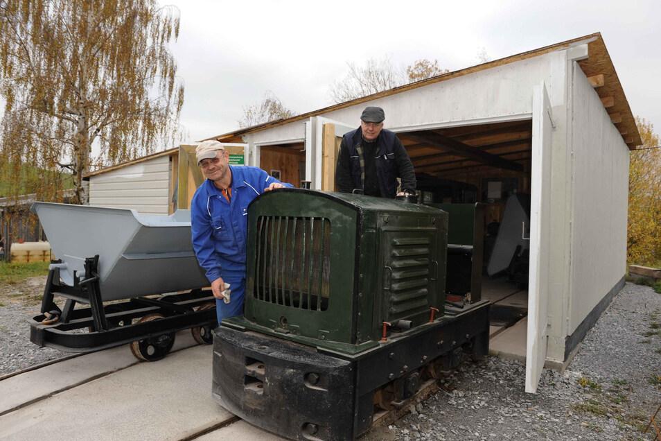 So begann es: Vor sechs Jahren füllte sich der Lokschuppen der Bornaer Kalkwerk-Bewahrer.