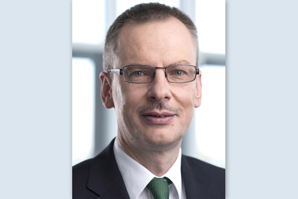 Rainer Striebel (58) führt seit dem Jahr 2014 den Vorstand der größten Krankenkasse in Sachsen und Thüringen.