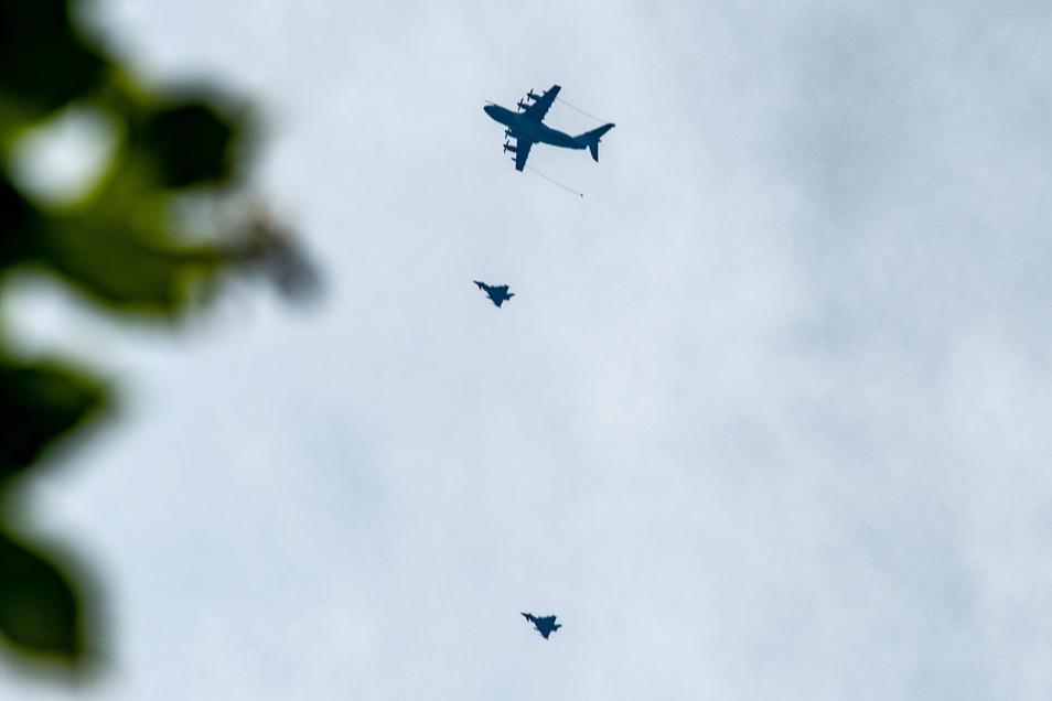 Mehrere Militärflugzeuge waren am Donnerstag über Mittelsachsen zu sehen. Doch was haben sie gemacht?