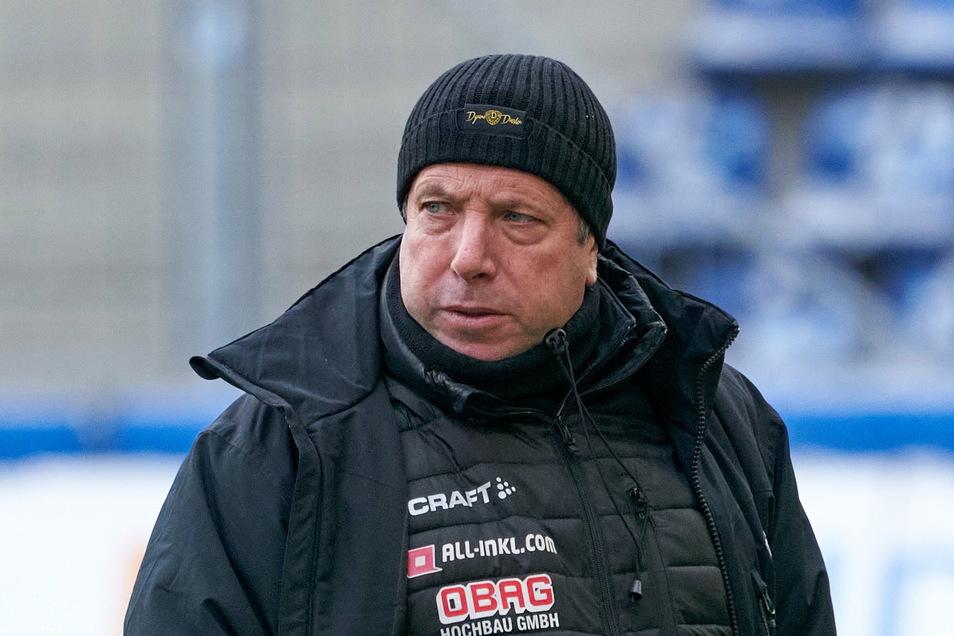 Markus Kauczinski saß nach seinem krankheitsbedingten Ausfall wieder auf der Trainerbank.