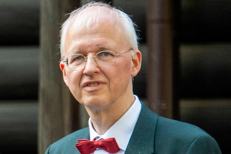 Das Markenzeichen von Baubürgermeister Jörg Müller ist die Fliege. Ohne diesen Halsschmuck wurde er auf Radebeuls Straßen wohl noch nie gesichtet.