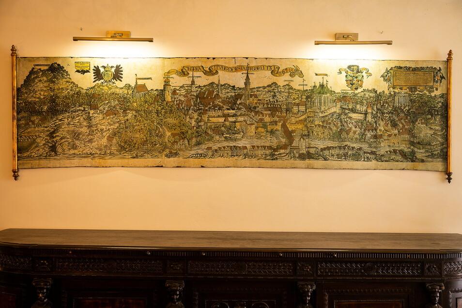 Das Wandbild im Hausflur ließen die Hausbesitzer nach einem alten, historischen Stich aus den Görlitzer Sammlungen anfertigen.