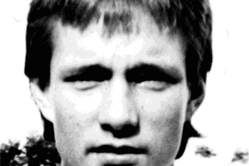 Torsten Gütschow Dynamo bis 1993, 1996-99 Dreimal Torschützenkönig in der DDR-Oberliga, insgesamt mehr als 180 Treffer für Dynamo. Nach der Rückkehr sorgte er aber auch für andere Schlagzeilen.