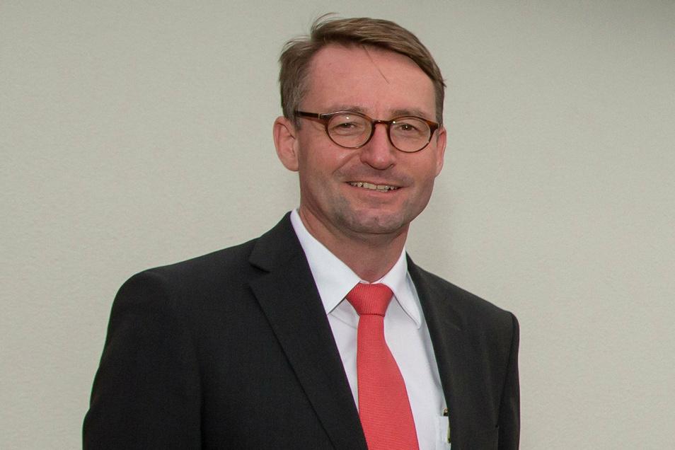 In Freital nur Stellvertreter: Sachsens Innenminister Roland Wöller.