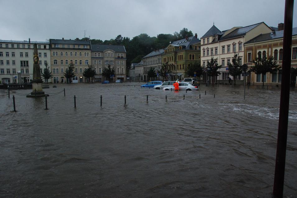 Sebnitz am 7. August 2010: Der Markt stand komplett unter Wasser.