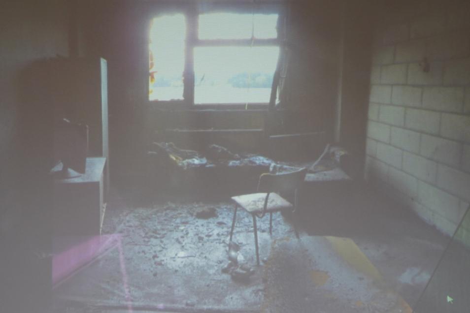 So sah das Zimmer nach dem Brand aus.