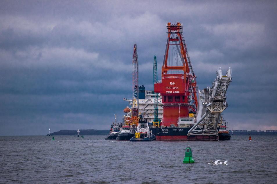 Trotz US-Sanktionen geht die Verlegung der Pipeline-Rohre seit wenigen Wochen weiter - nun mit einem russischen Schiff.