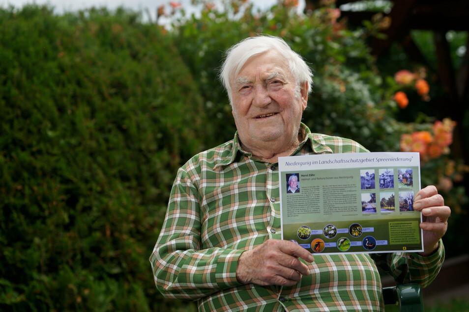 Horst Zähr in seinem Garten in NIedergurig. Für seinen Einsatz für die Natur wurde er jetzt geehrt -mit einem nach ihm benannten Weg zwischen Doberschütz und Niedergurig und einer Erinnerungstafel.