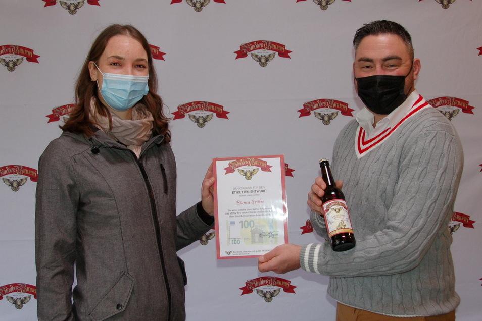 Bianca Grütze hat das Etikett des neuen Rotkopf-Goerg-Bieres von Getränkehändler Alexander Frenzel entworfen.