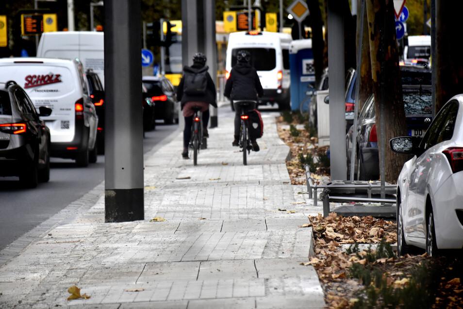 Im November sorgte der holprige Radweg auf der Bautzner Straße für Ärger. Wie sieht es heute aus? Das zeigt auch unser Video.