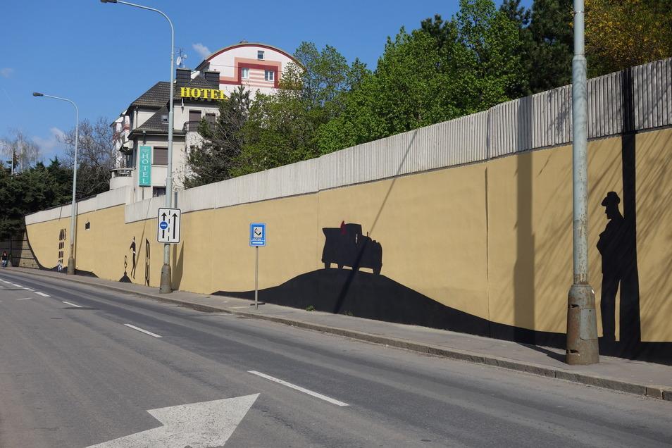 Die Graffiti-Wand erinnert an das Attentat vor 79 Jahren.