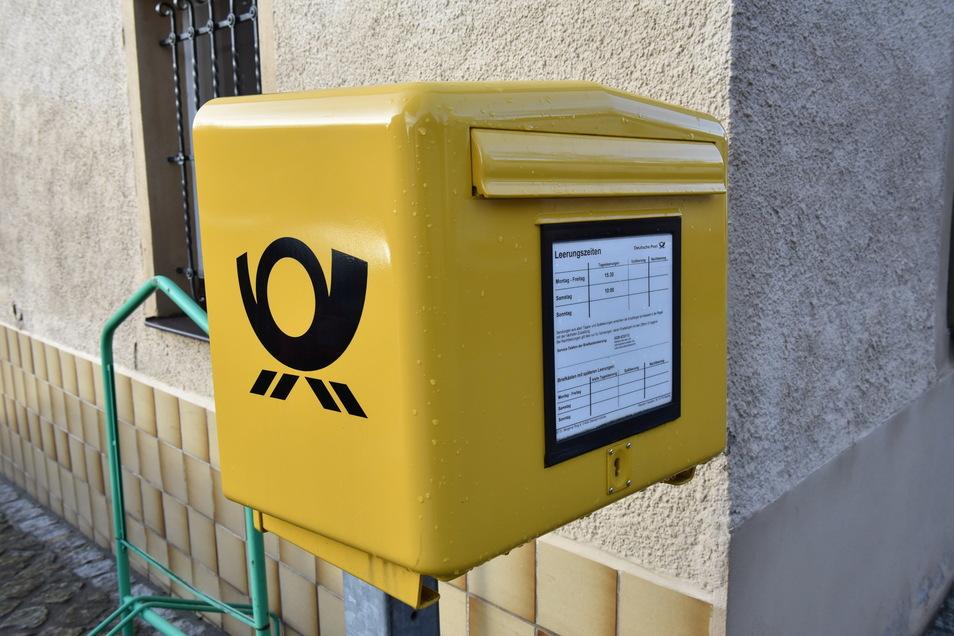 Die Post hat unter anderem einen 42-Jährigen beauftragt, Briefe aus den Briefkästen sowie Postfilialen in das Chemnitzer Postverteilzentrum zu transportieren. Die Polizei ertappte den Mann dann beim Stehlen.