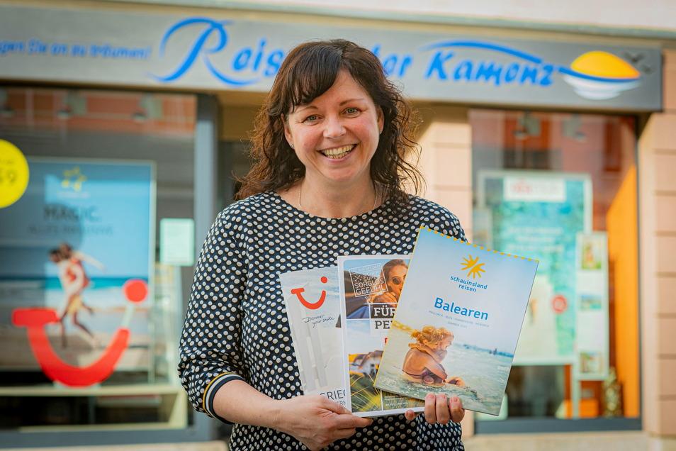 Antje Pohlann, Inhaberin des Kamenzer Reisecenters, freut sich über treue Kunden und deren ungebrochene Reiselust. Die meisten aktuellen Buchungen gehen in Richtung Türkei, Kanaren und Griechenland. Aber auch Bali und Norwegen sind schon darunter.