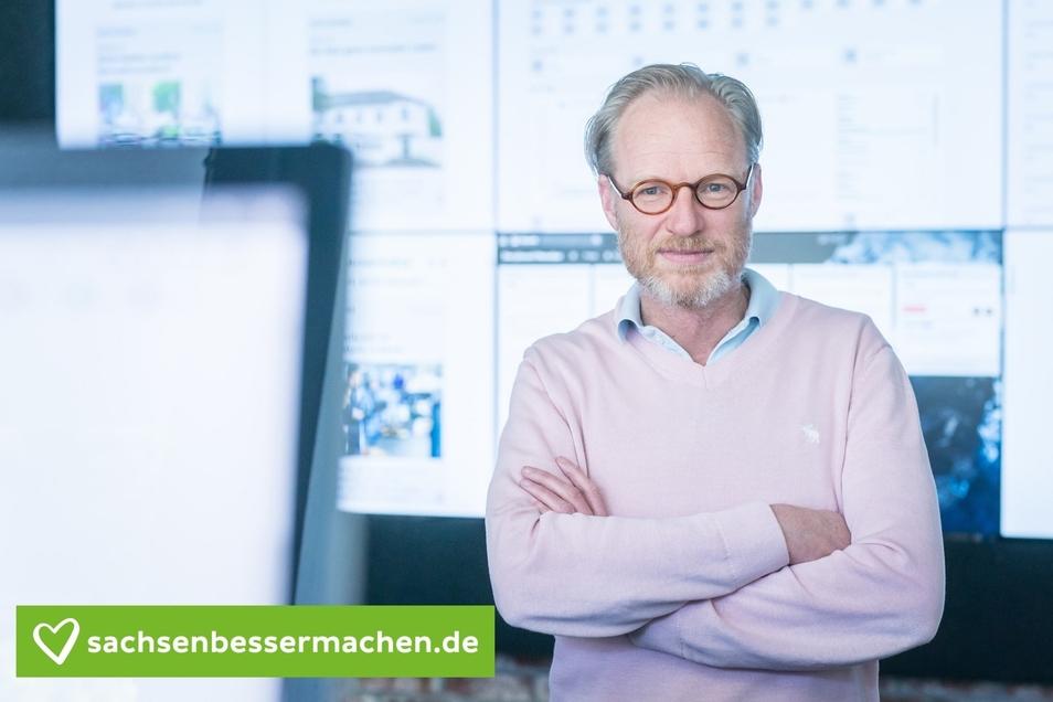 """""""Sachsenschlechtmachen kann jeder. Wir möchten jenen eine Bühne geben, die Sachsenbessermachen."""" SZ-Chefredakteur Uwe Vetterick im neuen Newsroom."""