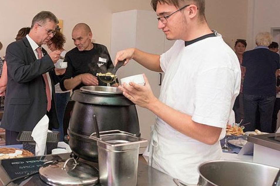 Im Bildungszentrum Lausitz in Bischofswerda werden Hauswirtschafter für die gesamte Region ausgebildet. Aktuell arbeitet die Bildungseinrichtung mit 15 Unternehmen zusammen.