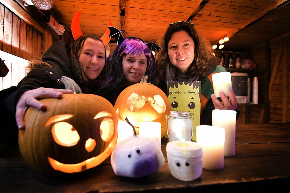 Das Halloween-Fest in Ostrau ist einer der Höhepunkte im Kulturkalender des Ortes. Organisiert wird das Fest vom Förderverein der Ostrauer Feuerwehr. Unterstützung gibt es vom Kinderförderverein und der Kita.