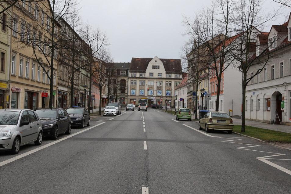 Blick von der Breiten Straße in Richtung Volkshauskreuzung: Die Trasse wird vorübergehend Einbahnstraße.